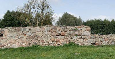 Ruiny zamku krzyżackiego w Osieku