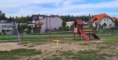 Plac zabaw i boiska w Skarszewach
