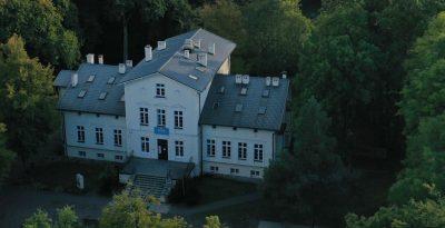 XIX wieczny Pałac - Sumin
