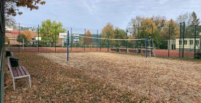 Boisko do siatkówki przy PSP4 w Starogardzie Gdańskim