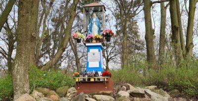 Kapliczka Matki Boskiej - Jabłowo